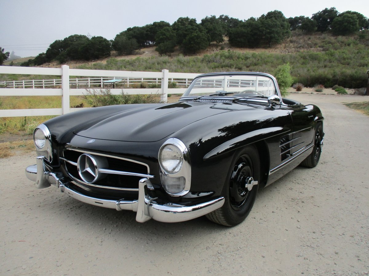 sold 1957 mercedes benz 300sl roadster scott grundfor company classic collectible mercedes. Black Bedroom Furniture Sets. Home Design Ideas
