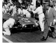 Vollblut Journalist Willi Wieczorek paces around the dramatic events ot the box of Stirling Moss at Targa Florio.