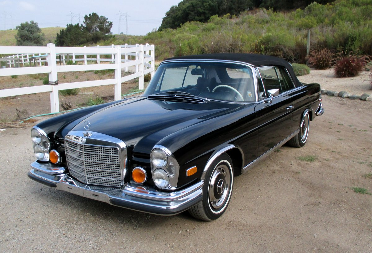 sold 1971 mercedes benz 280se 3 5 cabriolet scott grundfor company classic collectible. Black Bedroom Furniture Sets. Home Design Ideas