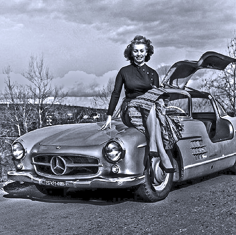 Sophia Loren and her Mercedes-Benz 300SL Gullwing