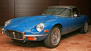 Classic car auction brings Hollywood glamour to Hong Kong