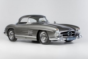 Mercedes 300SL Roadster heads to Artcurial's new Hong Kong auction