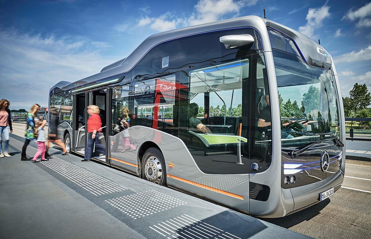 mercedes-bus011-1