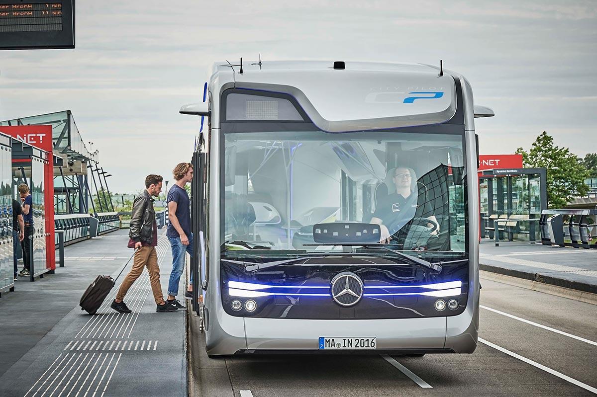 mercedes-bus015-1